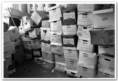 06-Archives-boxes-before_0125